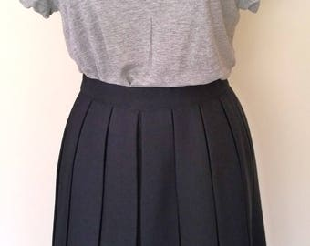 Vintage navy blue pleated flippy midi skirt UK 12