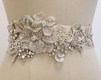 Belts of brides, headbands, tiaras, earrings