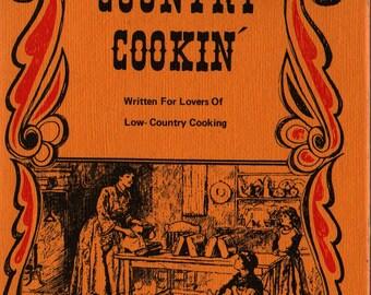 Country Cookin' - Katharine Weiler - 1970 - Vintage Cook Book