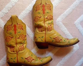 LUCCHESE Retro CLASSICS 1883 Womens Yellow Rose Embroidered Leather Boots 7