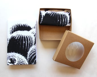 Black & White Barrel Cactus Cloth Napkin Set - Boho Desert Cactus Design - Modern Southwest Decor