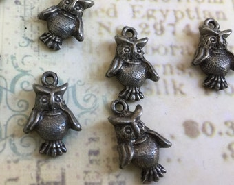oxidized silver owl pewter charm, lead free pewter owl charm, made in USA, owl charm earring supplies, set of 5 charms, earrings findings