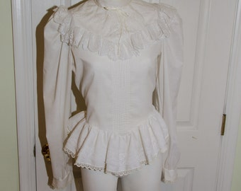 Vintage 1980's Woman's White Victorian Style Puffy Sleeved Lace Blouse Shirt
