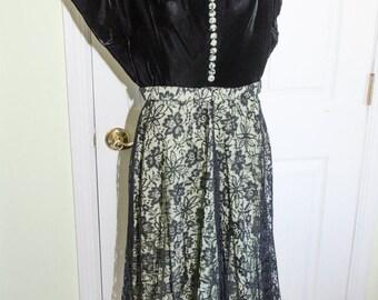 Vintage 1940's Woman's Lace and Velvet Evening Dress
