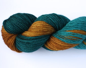 Autumn--hand dyed sock yarn, BFL and nylon, (464yds/100gm)