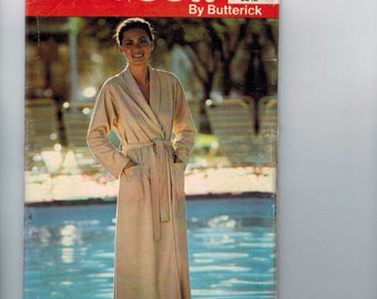 1980s Vintage Sewing Pattern Butterick See & Sew 6642 Misses Bath Robe Size 10 Bust 32 1/2 1980s 80s