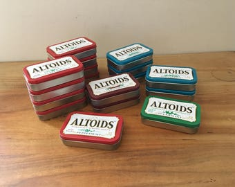 Lot of 30 Empty Altoids Containers Metal Tins // Crafting Supplies // Mixed Media Art Projects
