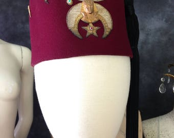 Fraternal Al Kader burgundy maroon fez Doernbecher Shriner 7 3/8 FH Nestelle boullion