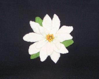 Needle Felted - Flower Pin - Flower Brooch - White Poinsettia - Gift for Her - Christmas Pin - Christmas Gift - Needlefelt  - Felt Pin