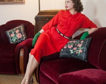 Vintage 1940s Dress - Beautiful Christmas Red Rayon Late 40s Shirtwaist Dress with Pockets