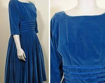 1950s Vintage Blue Velvet Party or Cocktail Dress SZ M