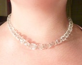 Vintage Simmons Cutgladd Bead on Gold Tone Chain