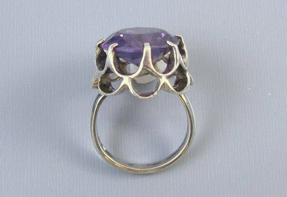 Vintage mid-century sterling silver purple synthetic alexandrite claw setting statement cocktail ring size 5.5