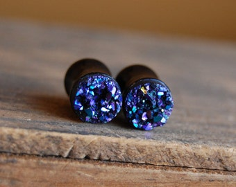 0g (8mm) Violet Purple Faux Druzy Rough Crystal Plugs Gauges for stretched earlobes. Double Flared Acrylic Plugs.