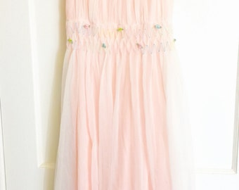 Fluffy pink fantasy night gown 60s pale pink white layers with tiny flowers