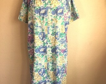 Vintage BLUE FLORAL Housedress / Womens Size Medium Large