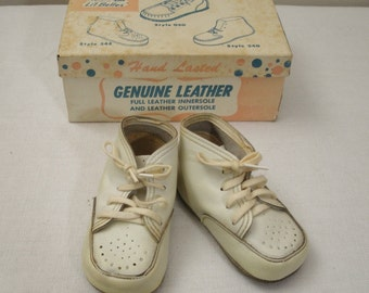 Vintage Feather Lite Little Belles White Baby Shoes