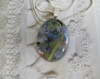 Forget-Me-Nots, Queen Anne's Lace, Maidenhair Ferns Real Pressed Flower Oval Resin Pendant-Symbolizes True Love, Peace, Remembrance,Memories
