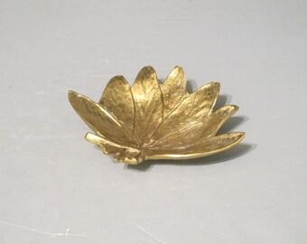 Vintage Virginia Metalcrafters Sage Brass Leaf Dish / Salvia Golden Leaf Ring Holder Vanity Tray Office Desk Accessory Decorative Key Holder