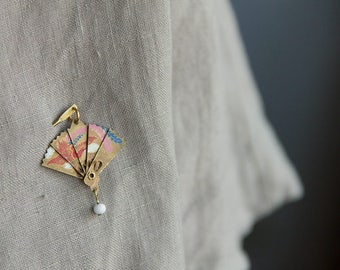 phoenix, bird of happiness, enamelled brass and glass moving hand fan brooch