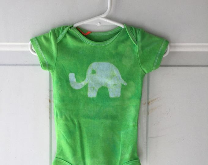 Elephant Baby Gift, Elephant Baby Bodysuit, Green Elephant Bodysuit, Green Baby Gift, Baby Shower Gift, Gender Neutral Baby Gift (6 months)