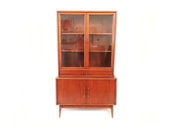 Vintage Mid Century Chian Hutch In Wood