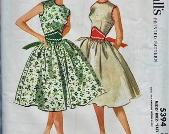 McCalls 5394 / Vintage Sewing Pattern / Dress / Size 16 Bust 36