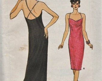 Very Easy Vogue 9522 / Vintage Sewing Pattern / Dress Gown / Sizes 6 8 10