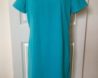 Vintage 1960s Blue MOD Keyhole Shift Dress - medium