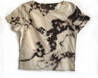 Beige and Black T-shirt in Graphic Fractal Dye Pattern - XS/S