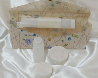 Vintage Celebrity Vinyl Floral Print Toiletry Kit Travel Bag Pouch Case