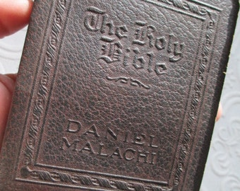 DANIEL, MALACHI -The Holy Bible Miniature Book Little Leather Library Antique Vintage Brown