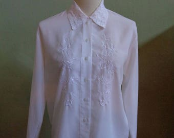 """Vintage Claudia Richard Long Sleeved White Blouse with Front and Collar Machine Embroidery Bust 39"""" Waist 39"""""""