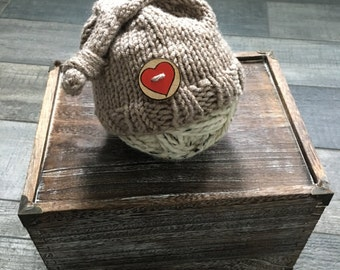 Knit Newborn Slouchy Hat with Heart Wooden Button  // Photo Prop //