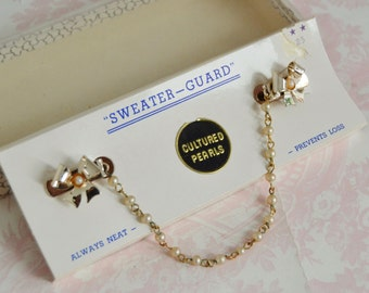 Vintage Sweater Guard with Bow Clips and Cultured Pearls in Box