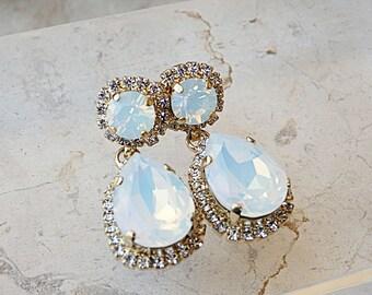 White Opal earrings, Bridal Opal Earrings, Bridesmaids earrings, Chandelier earrings, Drop And Dangle Earrings, Wedding Swarovski Earrings,