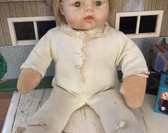 Vintage 70's Madame Alexander Little Huggums Sleepy Eye 12 in Doll