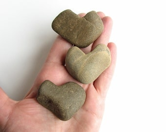3 Heart Shaped River Rocks - Natural Stone Jewelry Supply - Valentine Day Decor - Romantic Gift