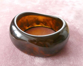 Marbled Bangle Lucite Bracelet Amber Wide Vintage 50s
