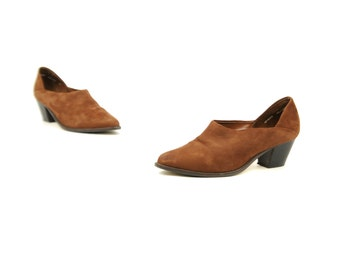 Vintage 1980's Brown Soft Leather Low Angle Cut Pointed Toe Stacked Heel Bootie Shoes 7