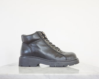 90s Chunky Black Vegan Leather Combat Boots / Women's Size 7.5 US - 38 Eur - 5.5 UK