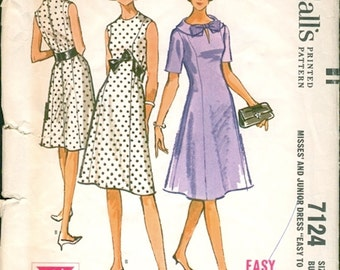 Neat Vintage 1960s McCall's 7124 Flared 7 Panel Princess Seamed Dress Sewing Pattern B34