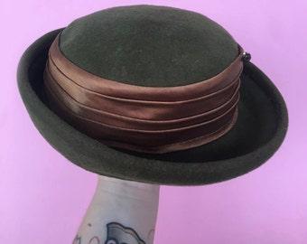 1930 Glenover Henry Pollak New York forest green hat silk wool