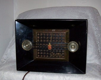 Vintage AM Crosley Tube Radio Bakelite Case Model 11-106U WORKS Only 72 USD
