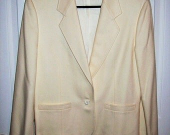 Vintage Ladies Off White Wool Blazer by Pendleton Size 12 Only 10 USD