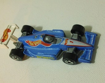 1995 Mattel Hot Wheels - HW Race Team - Hot Wheels 500 ~ Collector #276 - loose 1:64 scale diecast toy Indy race car