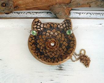 Cat Ring Dish W/ Lace Texture, Ceramic Cat Bowl With Liquid Gold, Handmade Pottery Cat Jewelry Dish, Ring Holder Cat Dish, Ready to Ship.