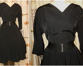 Vintage 1950s Dress Black Tiered Full Skirt Dress Fitted Bodice Long Sleeves Fall Autumn Winter Dress Dance Dress Rockabilly M waist to 28