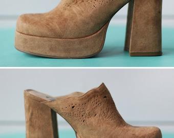 90s vintage camel brown faux suede high chunky block heel platform shoes mules 38 7.5