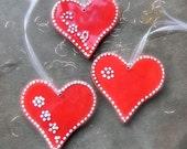 Christmas Ornament Red Heart Christmas Decoration Ceramic Heart Ornament Traditional Christmas Natural Ornaments Set of 3 Wedding Favor